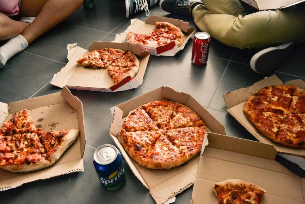 ピザ バイト デリバリー